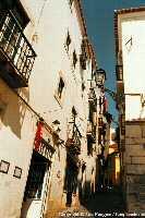 une_rue_de_Alfama__Lisbonne__small.jpg