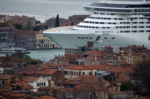 nave-venezia-600x397.jpg